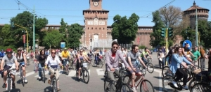 """""""La bicicletta ci salverà… e ci sta già salvando"""": a Milano il 18 maggio il convegno Fiab dedicato a Gigi Riccardi"""