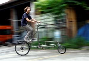 Il circo luce. 2500 km in bicicletta