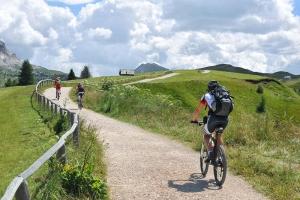 Il 32% dei cicloturisti italiani usa anche il treno. Prima indagine nazionale di Università dell'Insubria e FIAB
