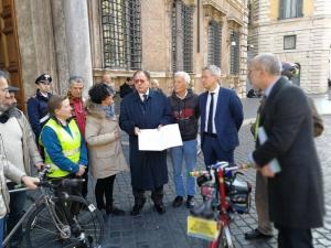 L'appello di FIAB al Senato: #labiciclettafunziona