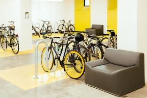 Edifici bike friendly nell'Ue: sul tavolo di Bruxelles l'edilizia sostenibile