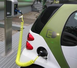 """""""L'auto elettrica e la necessità della città"""": la posizione Fiab"""