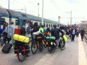 Treno+bici lungo la ciclovia del Brenta. La risposta della Provincia di Trento.