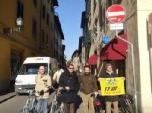 Sensi unici eccetto bici anche a Pisa